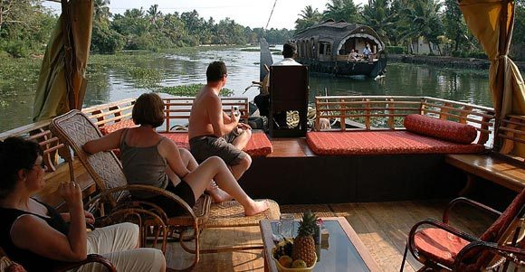 Alleppey Houseboat Travel